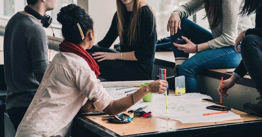 Comment travailler avec un collaborateur, un partenaire, un client?